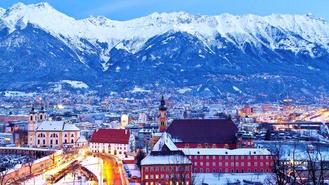 Khám Phá Vẻ Đẹp Trung Cổ Với Vé Máy Bay Giá Rẻ Đi Innsbruck  |vemaybaytructuyen.com